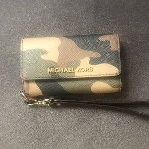 Michael Kors IPhone 5 wallet case